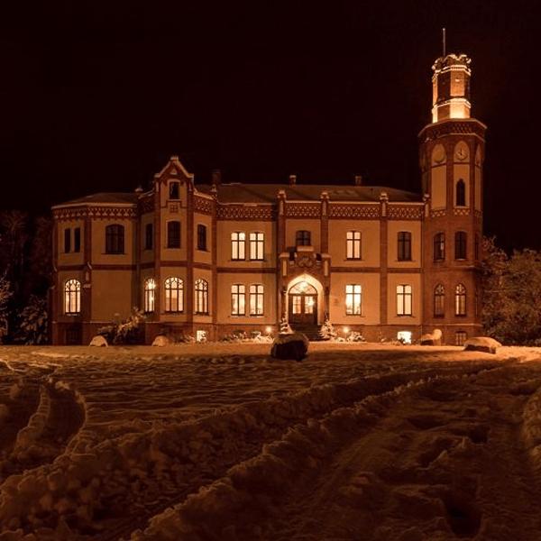 Gutshaus Mecklenburg Schloss Gamehl Schnee