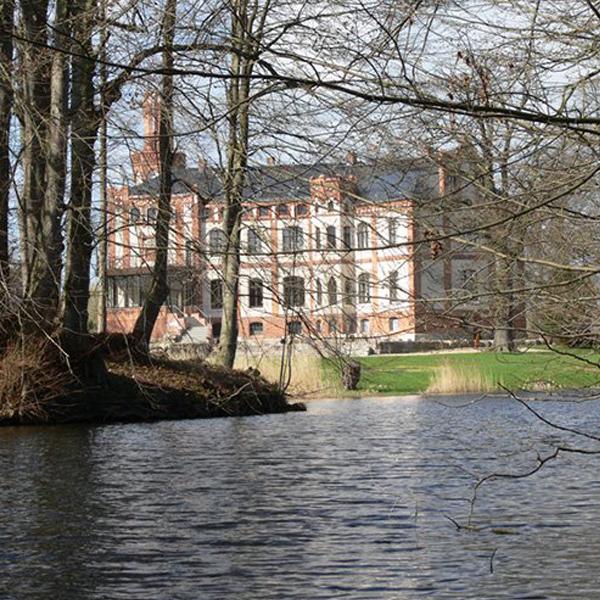 Mecklenburg Gutshaus Schlossteich Thormann Wismar